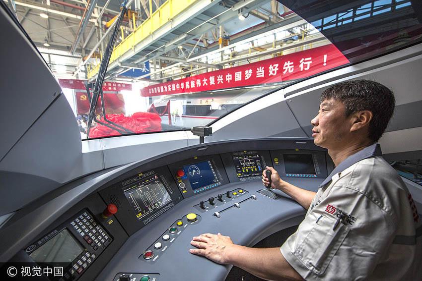 China: Novos trens-bala entram em circulação entre Beijing e Shanghai