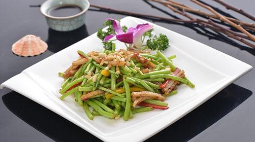 Gastronomia representa melhor a cultura chinesa para estrangeiros, diz pesquisa  Entre os 11 mil entrevistados, 52% escolheram a gastronomia como a mais representativa da cultura chinesa.